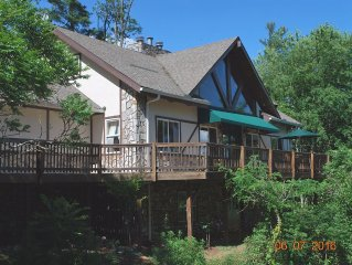 Mountaintop Views:, Hot Tub, Fishing Rafting:Hypoallergenic1 Rating w/ canoe