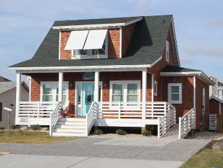 Classic Nags Head style cottage...all new in 2015!