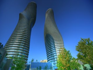 Ultra Modern Luxury High Floor Condo with breatht