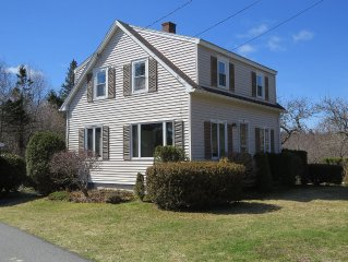Sweet 2 BR Cottage With Harbor Views, Walk To Downtown Southwest Harbor