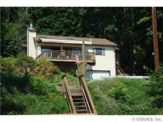 Hillside Lake Cottage