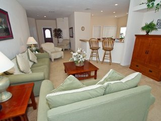 Luxury 4 Bedroom Executive Villa with Private Pool and Spa,  Minutes to Disney