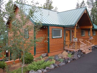 Romantic Mountain Home 10 miles from numerous lakes. Family reunion spot.