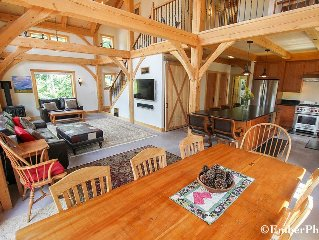 Family Friendly, Gorgeous Views of Mtn, Private, and Great Location!