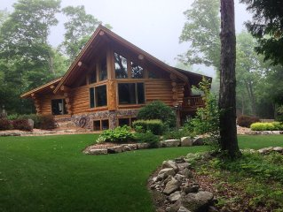 Stunning Location, Beautiful Hand Crafted Lodge, Spotless