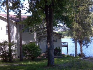 Beautiful Lakefront House one mile from Michigan International Speedway
