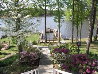 Cozy Cottage Nestled in the Woods with 385' of Waterfront on Lake Murray