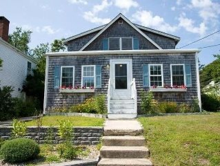 Lovely, spacious & renovated cottage near Craigville Beach
