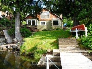 Cozy Lakefront Cottage, September is a wonderful time at the lake