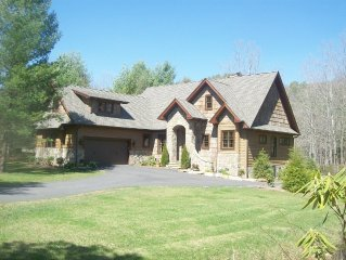 Rivers Edge Lodge - Luxury Mountain Home Located Directly on Pristine River