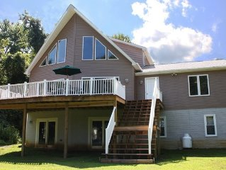 Quiet Relaxing Waterfront Swiss Chalet, Fall and Winter rates available!