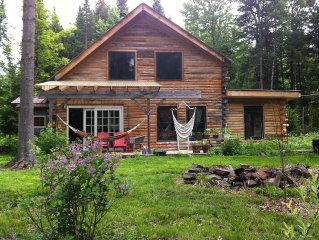Magical Log Cabin in the Woods - All Pets Welcome!