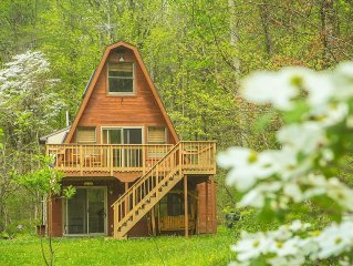 Hocking Hills  Cabin with Outdoor Fire Pit ,Pond and Walking Trail