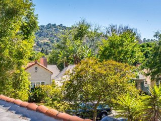 Remodeled Upper Guest Hs. w/View - Close to Universal Studios, Warner Brothers!