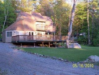 Enjoy Maine living at beautiful Sebago Cove / Lake