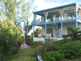 2 Sisters Waterfront Cottage on Little Bay, Peace, Spectacular Snorkeling, Views