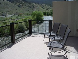 On The River In Downtown..Fish, Shop, Relax, Condo M 1 bd/1bath