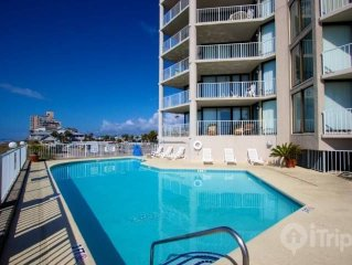 Luxuroius Oceanfront Condo, Garden City Beach