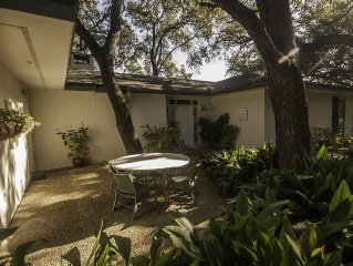 Garden House On 5-Acre Estate!  Only 15 Min. From The Riverwalk!