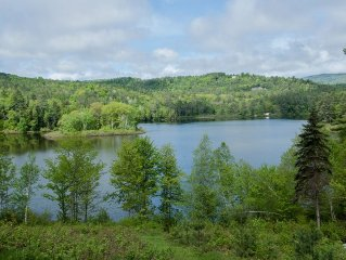 Lakefront Log Home, hike, ski, swim, foliage, secluded & quiet