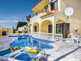 A/C villa with HEATABLE pool, Wi Fi,ideal for a large family or group.