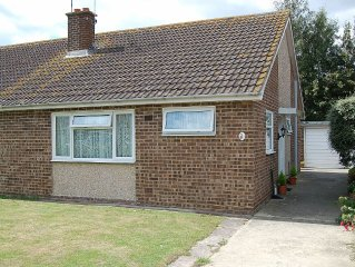 Self Catering Bungalow, Located On The Edge Of Felpham Village