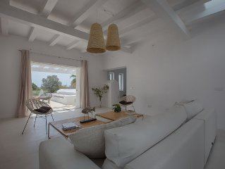 ' Finca Can Tunio ' Offer April & May Renovated Six Bedrooms  with air-condition