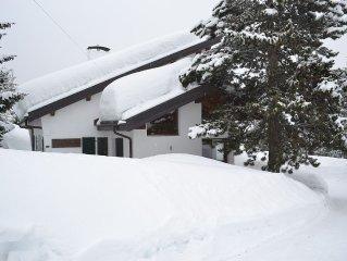 Chalet 'Le Pionnier' a Anzere SUISSE -Piscine chauffee, Vue montagne,sauna,jacuz