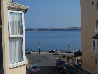Tenby Flat with views of the sea and Caldey Island