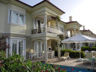 Villa with Private Pool right on the beach front, 50 meters to the beach and sea