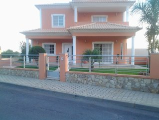 4 Bed Detached Villa With Private Garden / Swimming Pool.