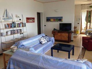Splendido appartamento sul mare in luminosa villa bifamiliare