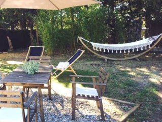 4 pers. T2 in family house with garden 100m2. Parking, 3min. of the sea.