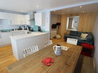 Beautifully Presented 1 or 3 Bedroom Property in the Centre of Fowey