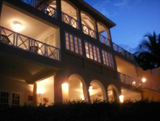 Large 7 Bed Wedding and Vacation Villa. Sleeps 14 (+ 2 cots and 2 put-u-ups)