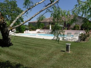 Fabulously equipped rural farmhouse + private pool & private tennis court
