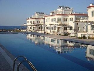 2 Bed Luxury Apt overlooking The Mediterranean Sea, Sleeps Maximum 5 Persons