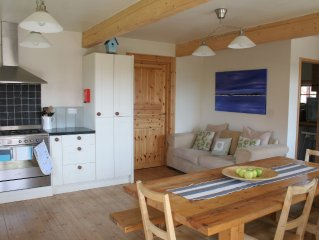 Druridge Bay Lodge-Children and dog friendly luxury home from home