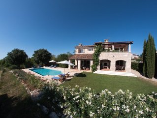 Luxury Stone Villa with Large Heated Pool, Air-Con, Sea and Vineyard Views