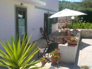 Appartamento in villa vicino al mare e al paese, in zona tranquilla per relax