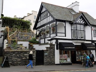 Delightful Victorian property just a short stroll from the shores of Windermere.