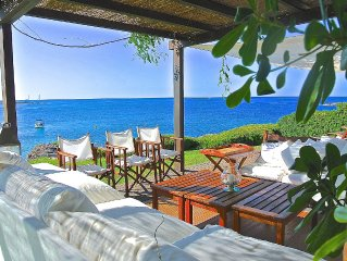Unique Beautiful Seafront Villa With Panoramic Terrace And Direct Access To Sea