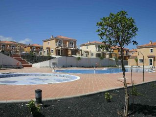 Villa 3 Bedrooms, 2 Bathrooms, Shared Pool, Lounge Diningdining Room Kitchen