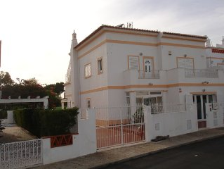 Stunning 5 bed 4 bath house with large pool within walking distance of beach.