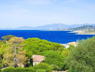 Villa Sant Ambroggio a few steps from the beach with stunning sea views.
