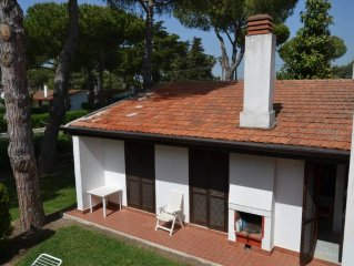 Paestum: spacious family villa (8 persons) in a wonderful green park with swimm