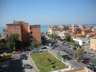 Lussuoso attico al Lido di Roma,con terrazzo vista mare!Scegli il piu' recensito