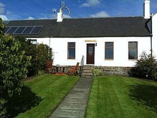 Country Cottage Near Auchtermuchty