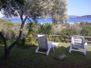 casa a 80 mt. dalla spiaggia, con terrazza e giardino vista  mare
