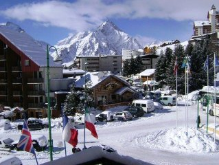 La Residence- A Fully Equipped, Centrally Located,Light Luxury Ski Apartment